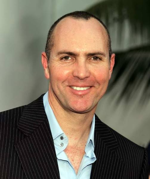 Arnold Vosloo biography